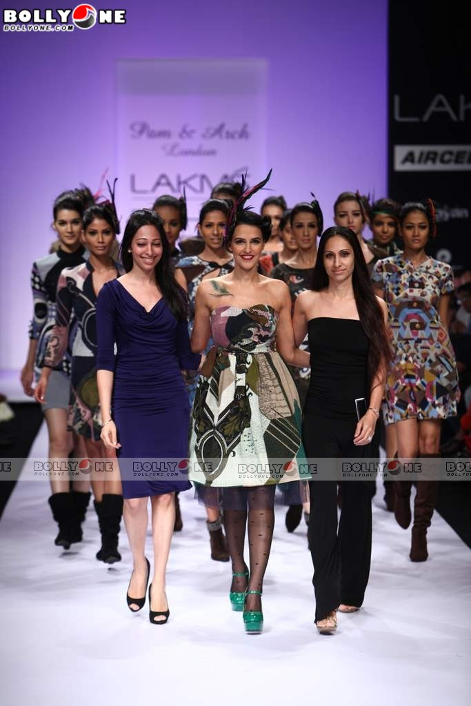 Neha Dhupia Walks for Pam & Arch Tondon at Lakme 2011