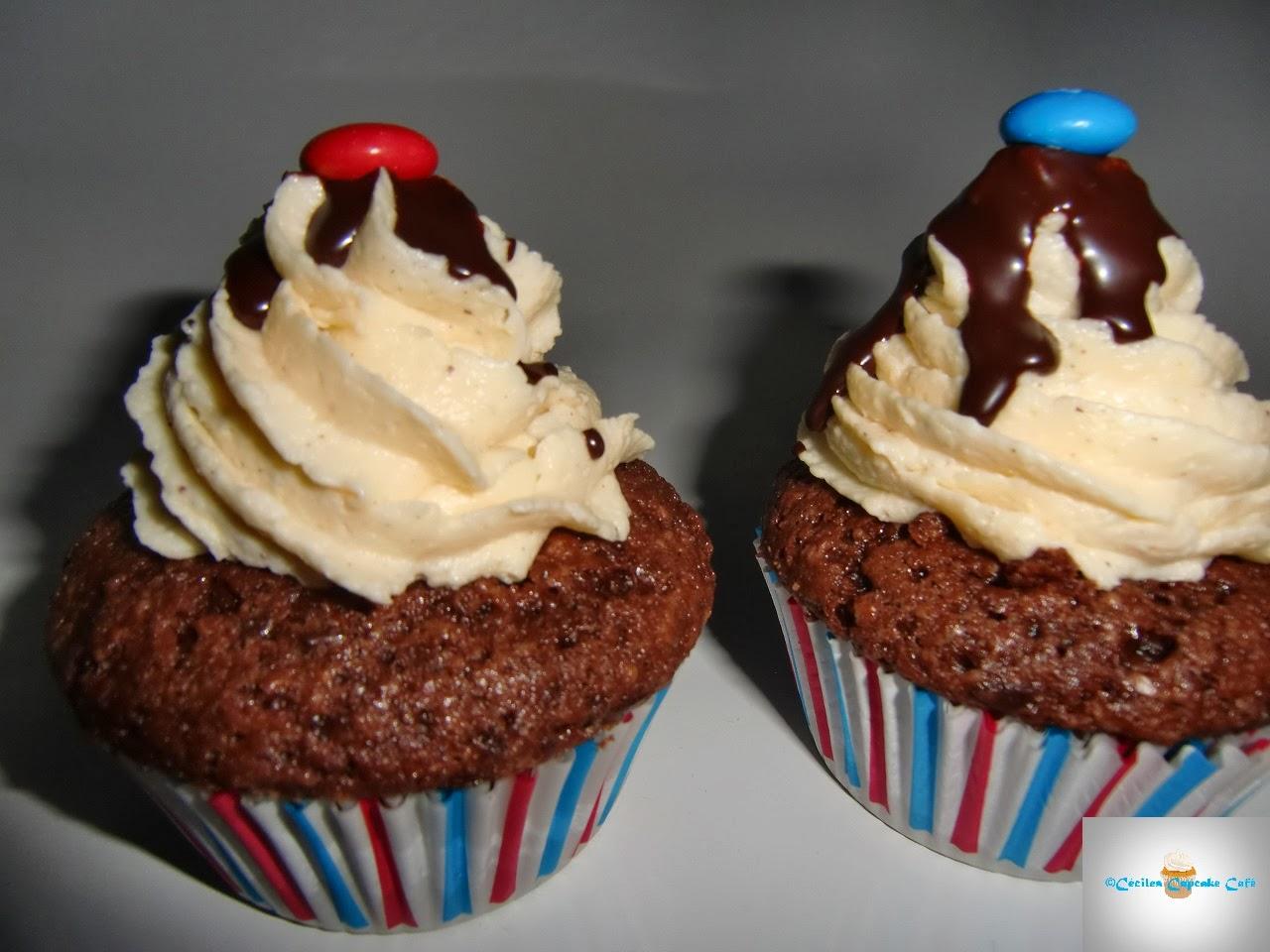 http://cecilecupcakecafe.blogspot.de/2014/02/m-uberraschungs-cupcakes.html