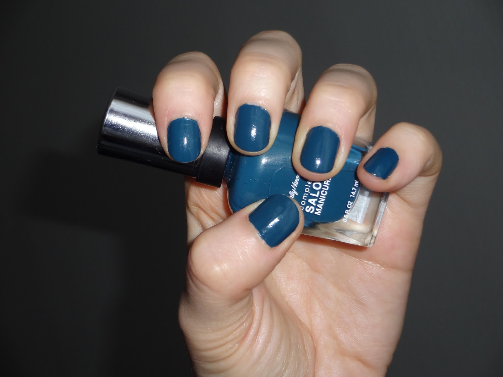Ongles bleu marine et or - Ongle bleu marine ...
