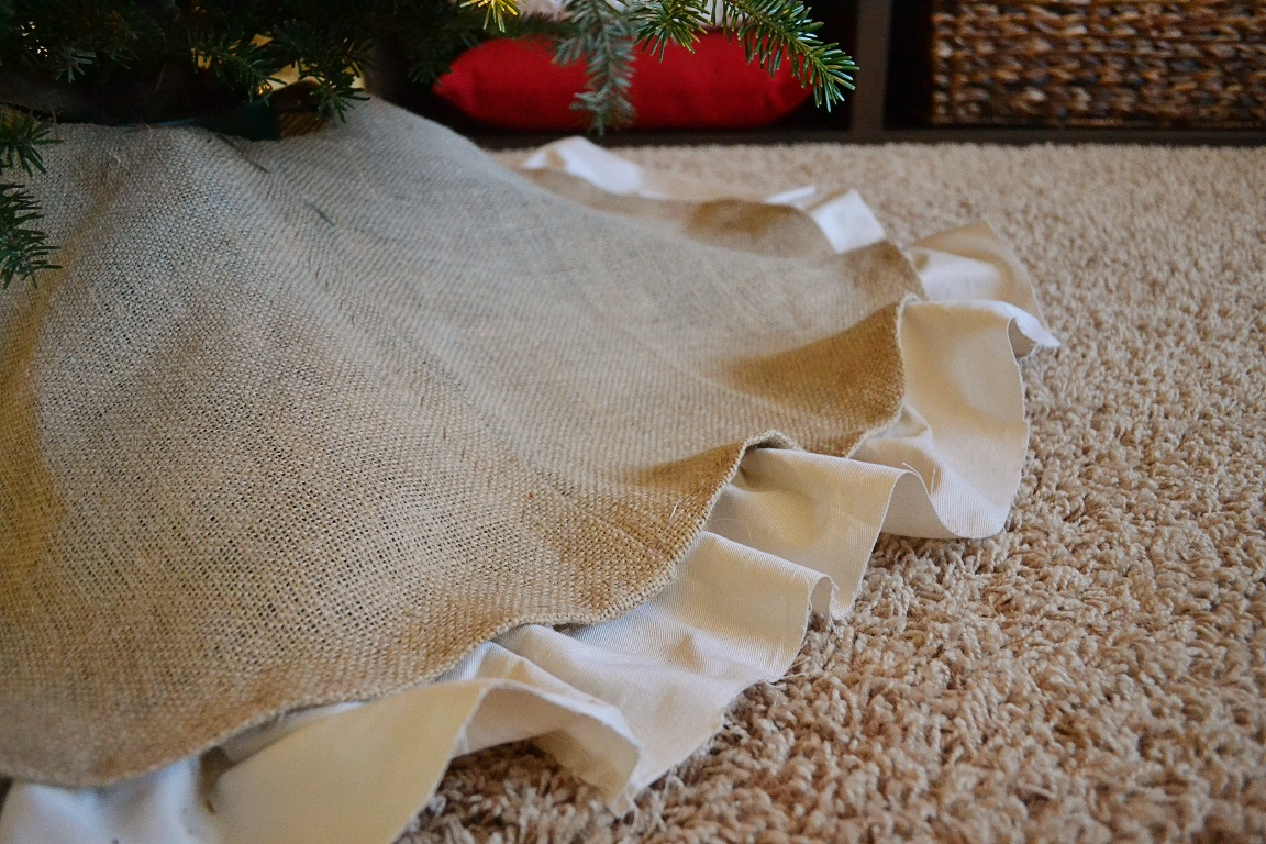 Dwelling cents easy christmas decor diy burlap tree skirt for How to make burlap christmas decorations