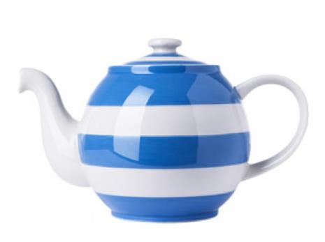 Cornishware Tea Pot - totally adorable at The Blog Guidebook