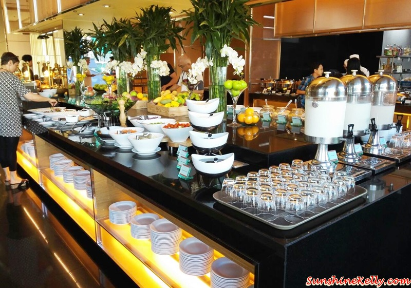 Eastin Grand Hotel Sathorn Breakfast