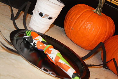 Halloween Mummy Cups & Spider Plates - www.thelifeofawannabesupermom.blogspot.com
