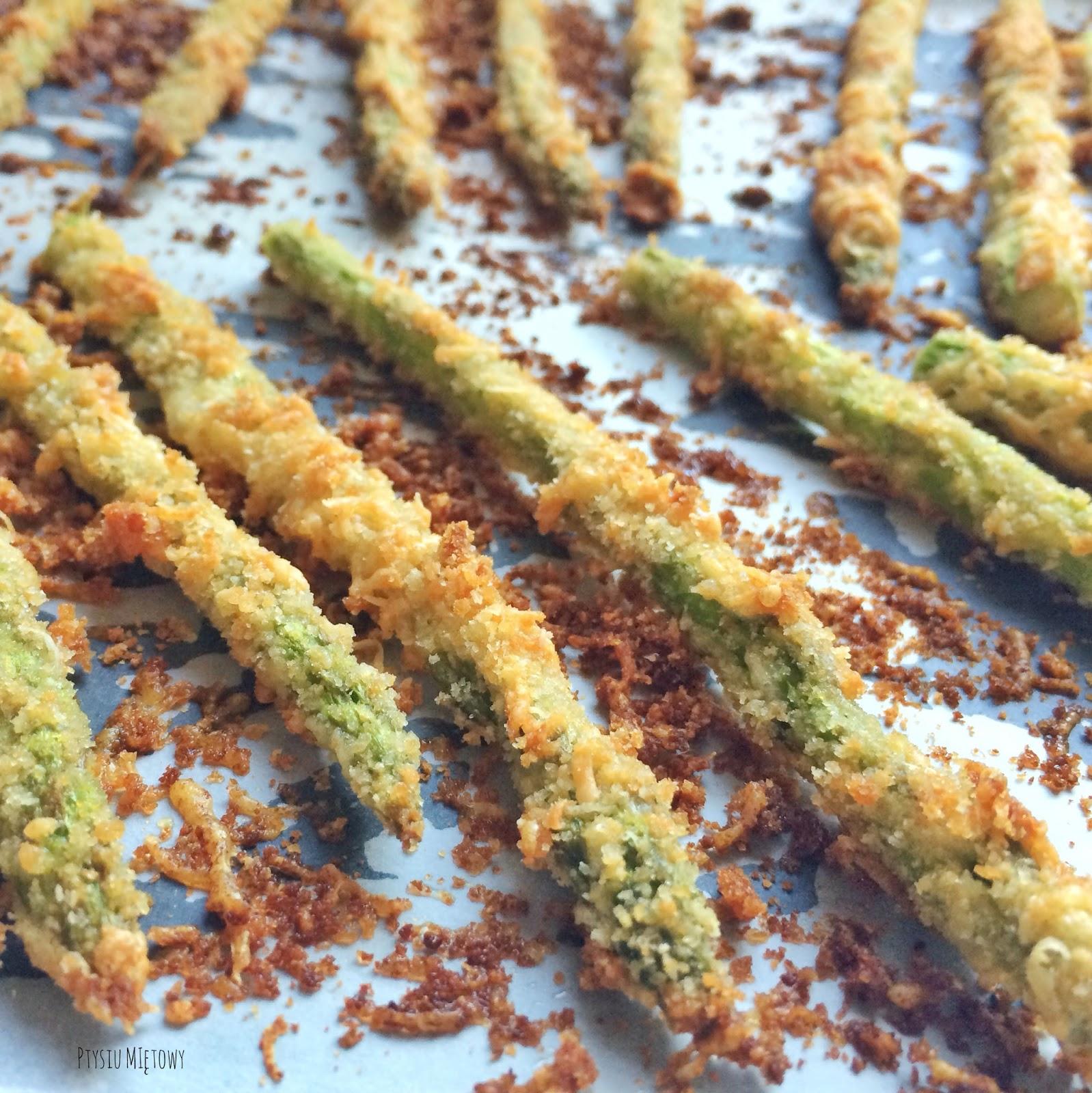 szparagi w parmezanie, ptysiu mietowy
