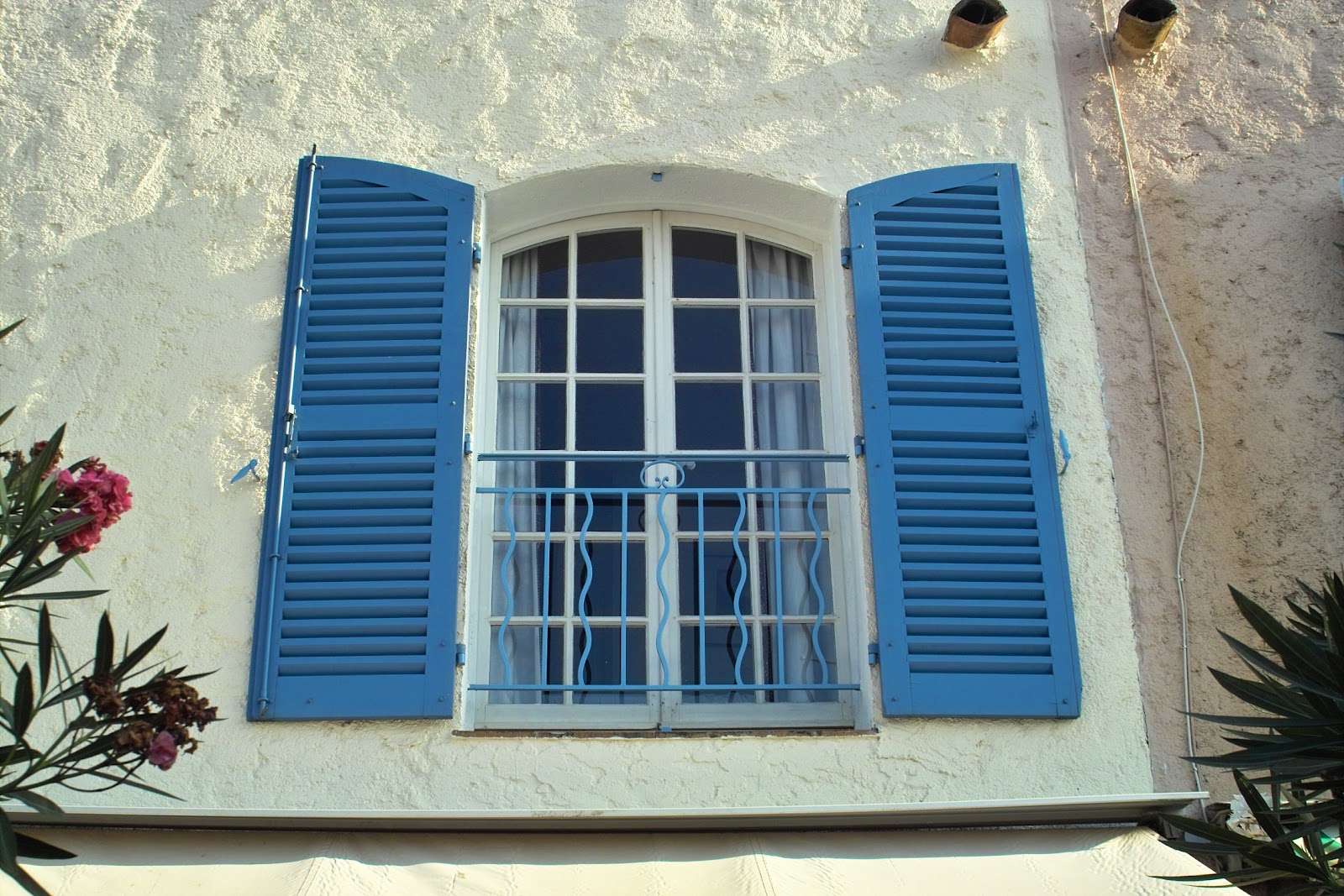 Exterior window trim ideas with shutters - Tuesday May 29 2012