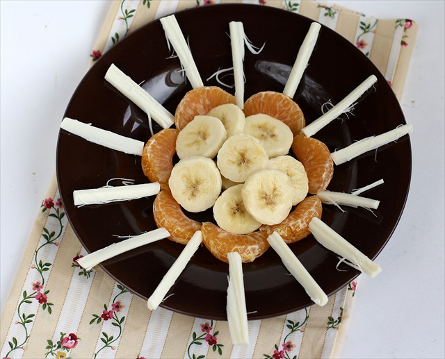 Fun Kid Snacks with Bananas: butter with a side of bread