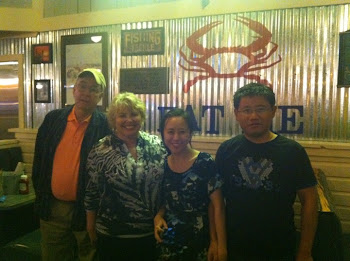 YAN AND HANG AT JOE'S CRAB SHACK HOUSTON 9/14/11