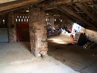 Interior d'un cobert dels Torrents del Prat