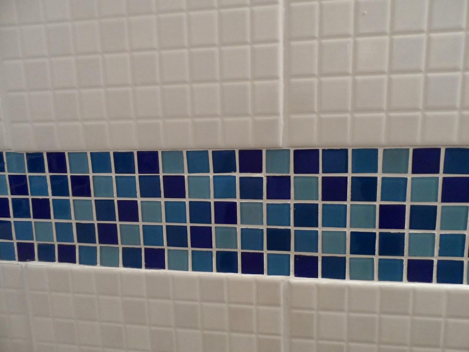 : Escolhendo o mármore para combinar com o piso quadradinho azul #121D40 1600x1200 Banheiro Azulejo Azul