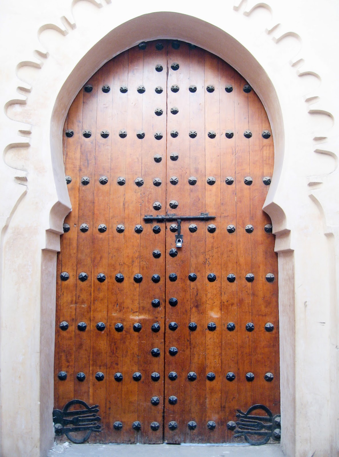 Marrakech top tourist attractions: Beautiful doorways of Marrakech in neutral colors