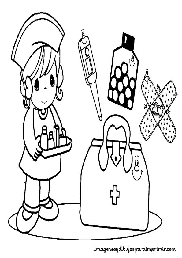 Enfermera con esparadrapo, termometro, jeringuilla