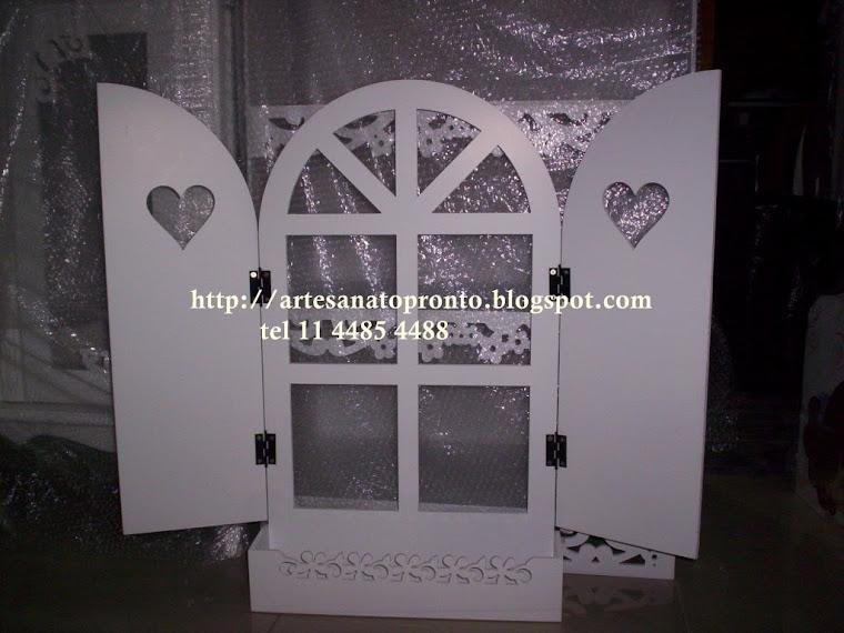 janela provençal decorativa R$ 130,00 medidas 79Ax 50C fechada