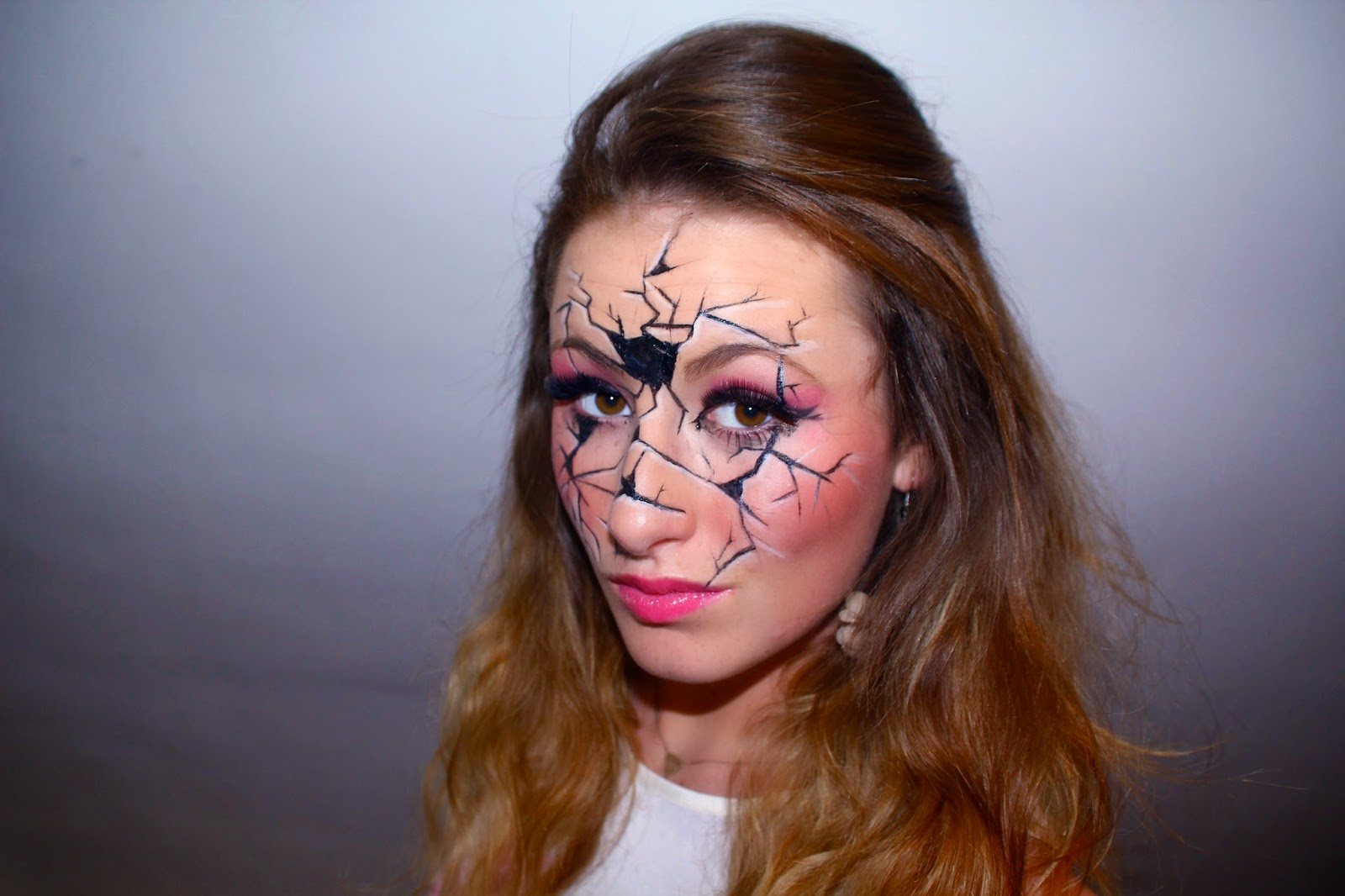 Wonderworld maquillage de poup e pour halloween - Maquillage poupe demoniaque ...