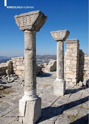L'invasione dell'Illiria da parte dei slavi iniziò nel 7 ° secolo, gli Illiri sono rappresentati oggi da albanesi