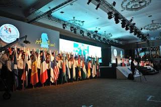 Les drapeaux des nations participantes aux Olympiades d'échecs 2012 à Istanbul © site officiel