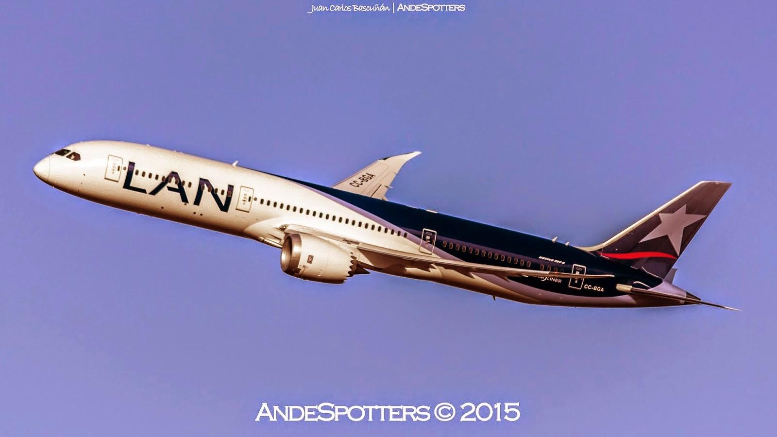 Llegada del primer Boeing 787-9 de LAN Airlines a Santiago de Chile