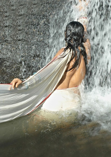 Telugu Actress Ramyasri Hot Unclothed Pics