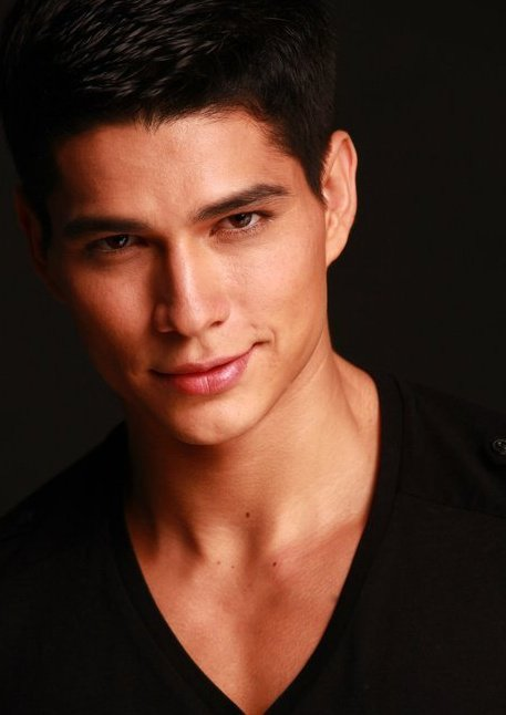HUNK OF THE WEEK: Alexander Vega Hidalgo