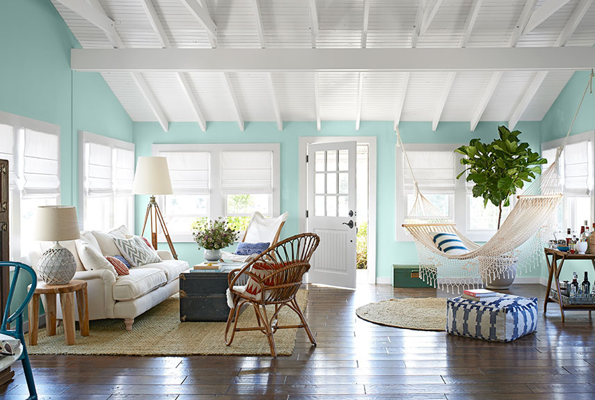 Combining some of the nautical decor elements and ship for Beach house decorating ideas photos