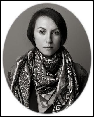Klasyczny portret dziewczyny w owalnej ramce. fot. Łukasz Cyrus, Ruda Śląska