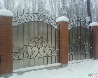 Кованный забор из поликарбоната. Фото 8