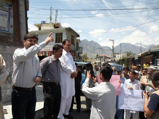 World Press Freedom Day on 3rd May 2013 at Itehad Chock Gilgit.jpg