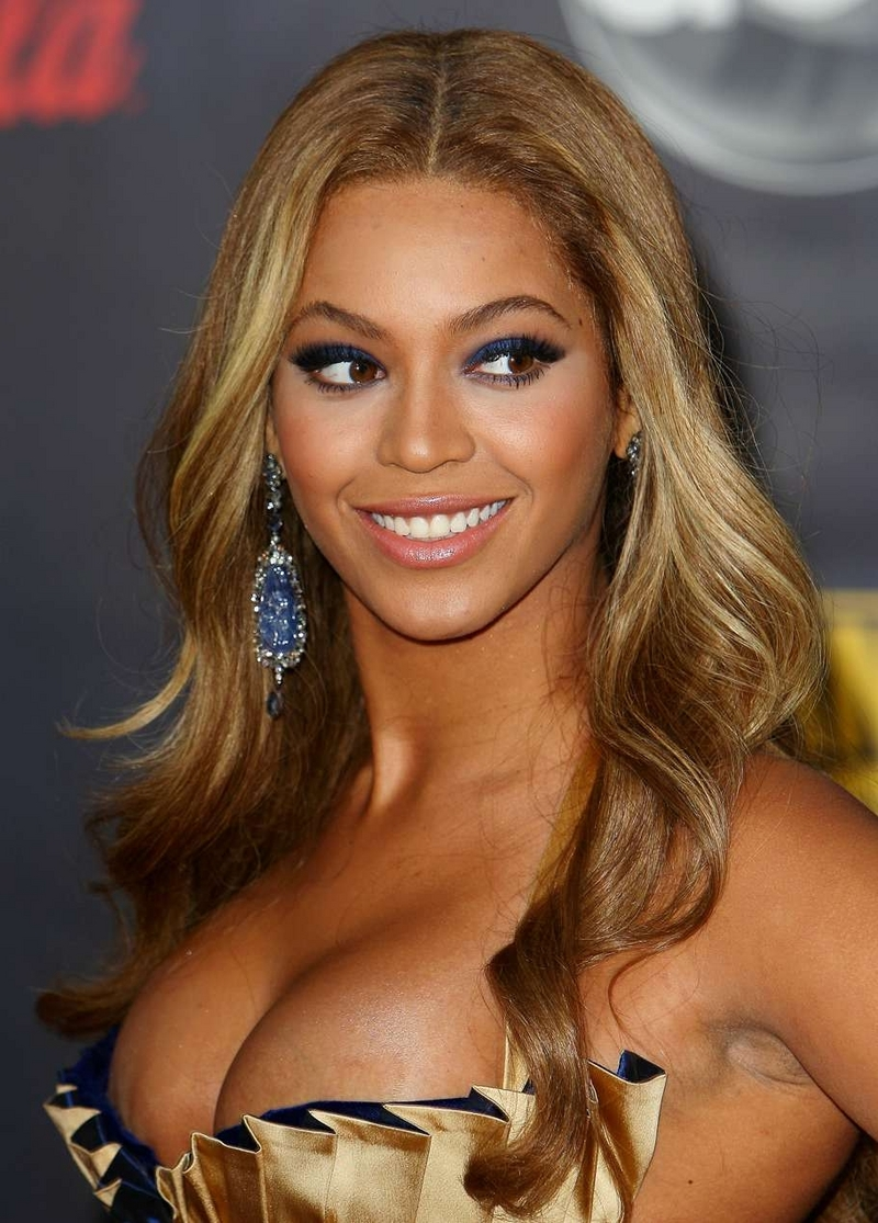 Download this Beyonce Knowles Hot And Sexy Photos picture