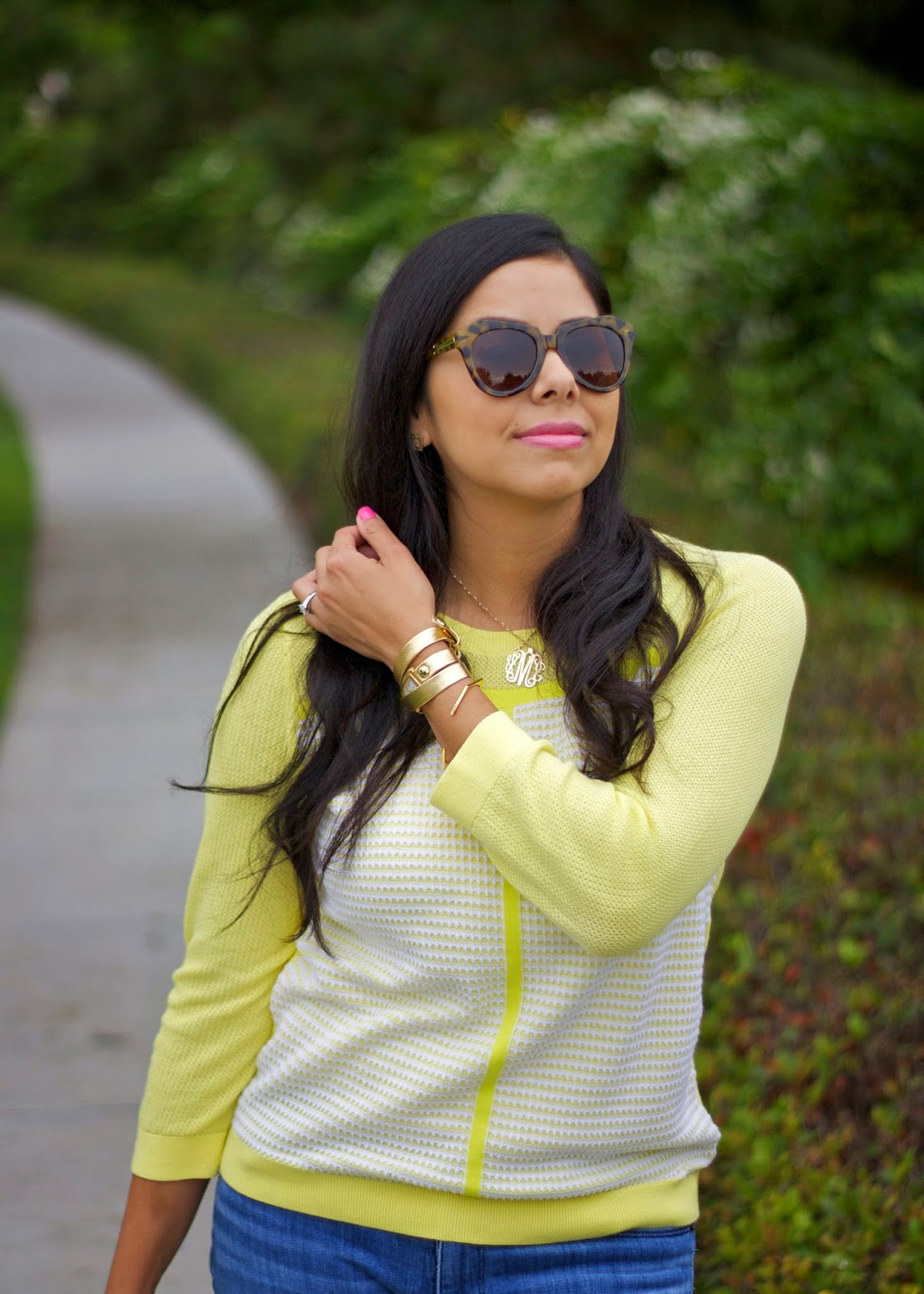 la mer gold wrap bracelet, blogger fashion in yellow, pop of yellow in outfit, gold accessories in an outfit