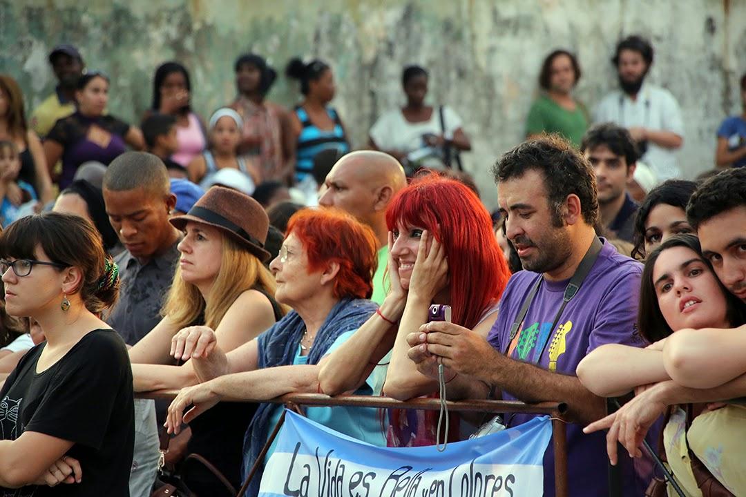 Público en concierto de Silvio Rodríguez