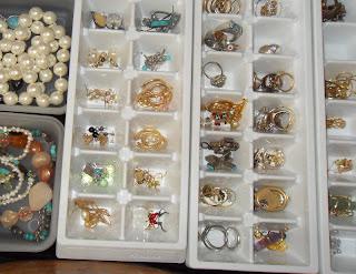 Jewelry+organizing