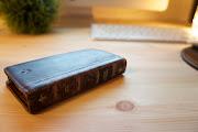 ってことで、洋書のようなiPhoneケース. BookBook for iPhone 4/4Sです。