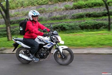 Desain Bodi Serba Tajam, Honda CB150R Mantap Buat Turing