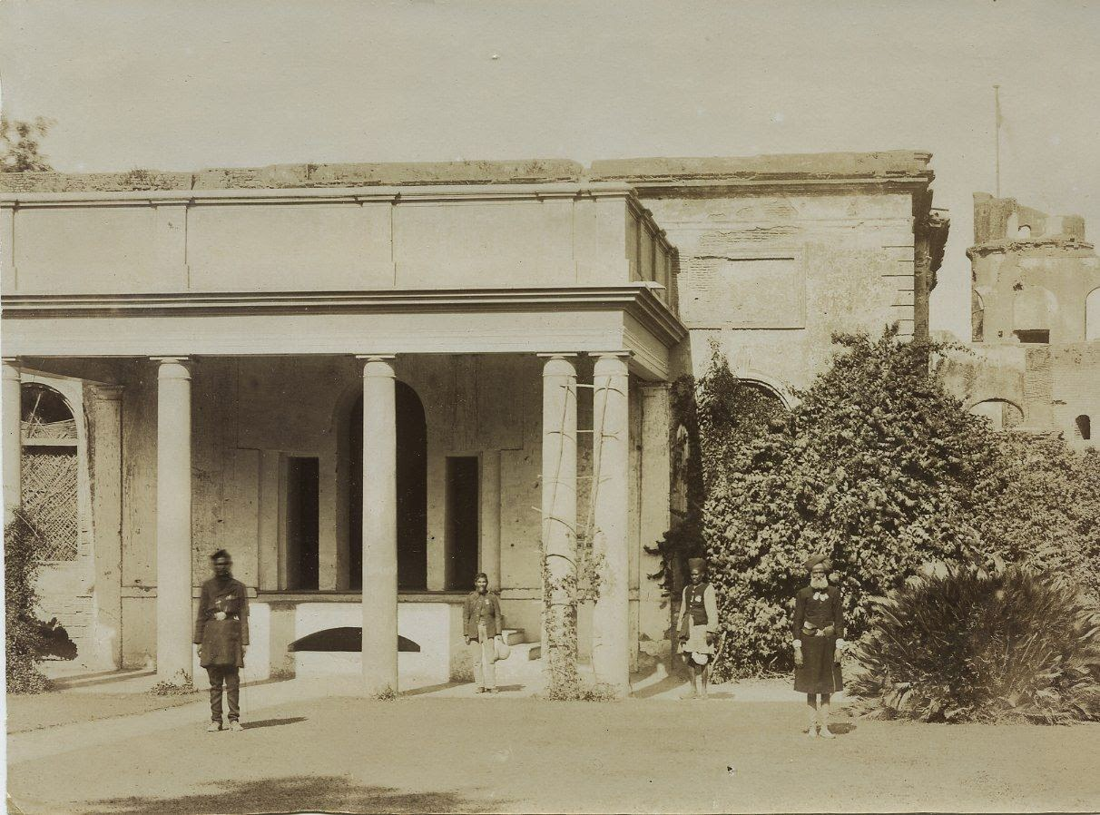 Front entrance to the residency lucknow c1900 39 s old for Architecture design for home in lucknow