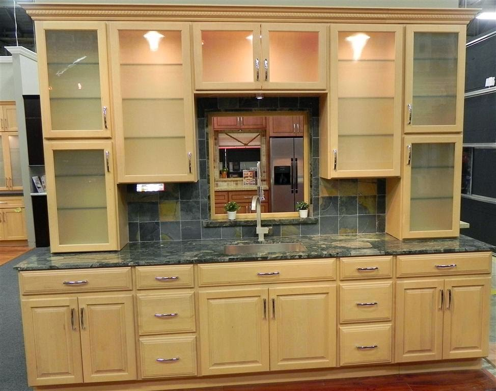 Maple kitchen cabinets beautiful durable and flexible for Maple kitchen cabinets