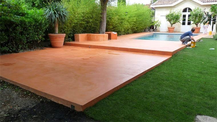 Autour de la piscine nc Revetement piscine beton cire