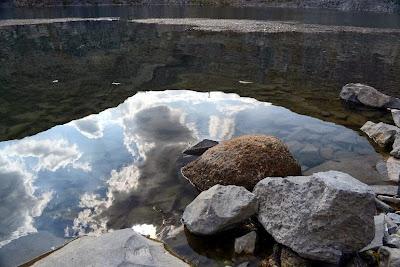 lacul,Cariera de bazalt, Rezervatia geologica din Racos
