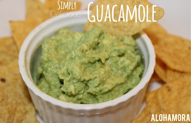 The best Guacamole that is simple, easy to make, and clean eating.  No chemicals but only real ingredients for simple, refreshing, and delicious falvor! Alohamora Open a Book http://www.alohamoraopenabook.blogspot.com/ diet friendly, gluten free, easy, fast, appetizer, recipe, snack, potluck, game day, party, fiesta diet friendly, the best, amazing