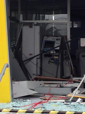 Banco do Brasil em Sete Barras-SP é assaltado e Bandidos trocam tiros com a Policia