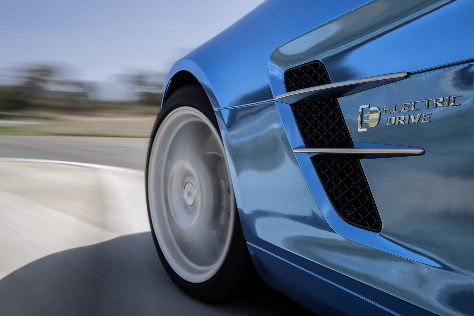 Mercedes SLS AMG Electric Drive in Paris Auto Show  NewsAutomagz