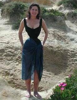 Cathie Jung la Mujer que tiene la cintura mas pequeña del mundo)