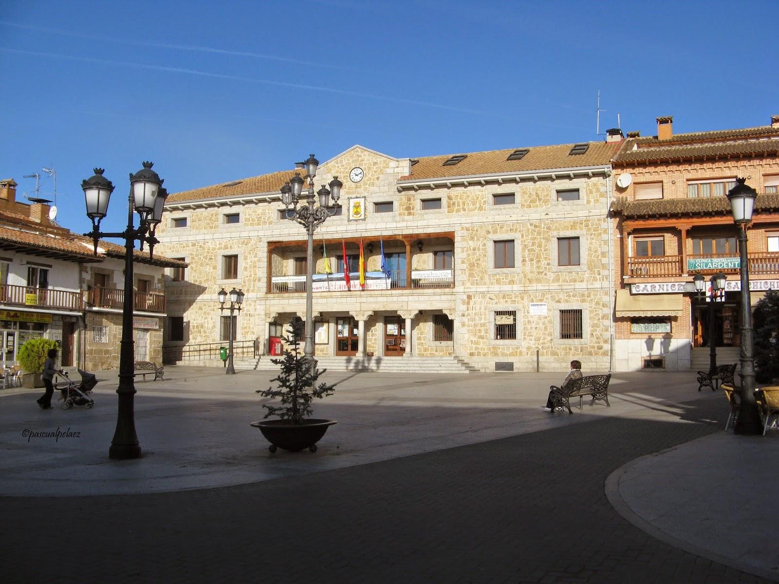 Rincones ibericos manzanares el real comunidad de madrid - Polideportivo manzanares el real ...
