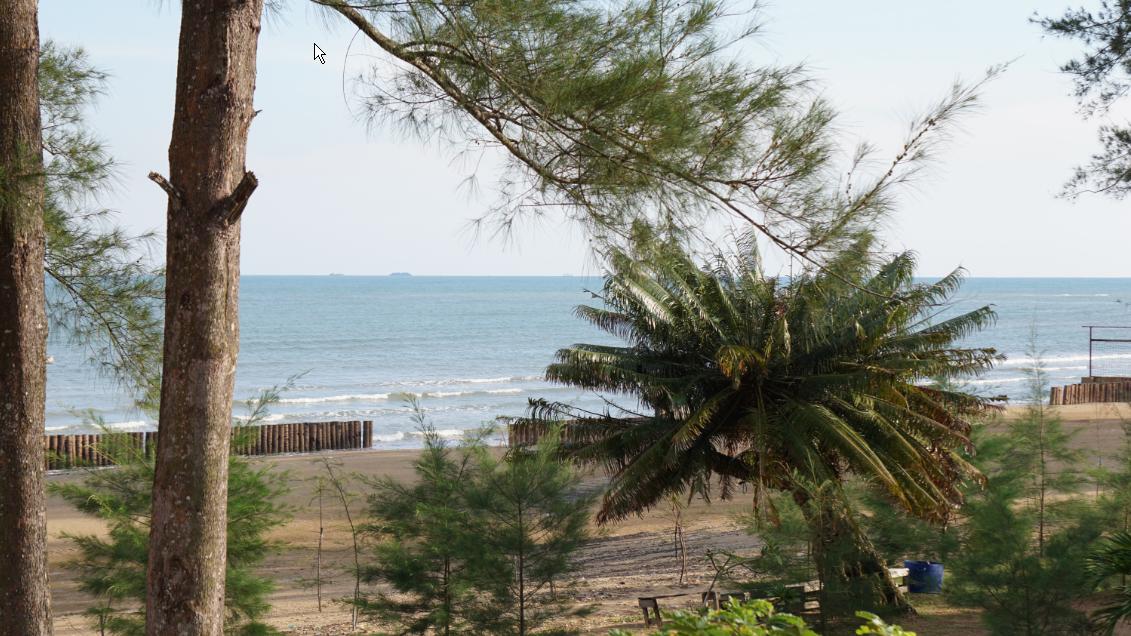 melihat keindahan pantai wisata Lamaru dari atas