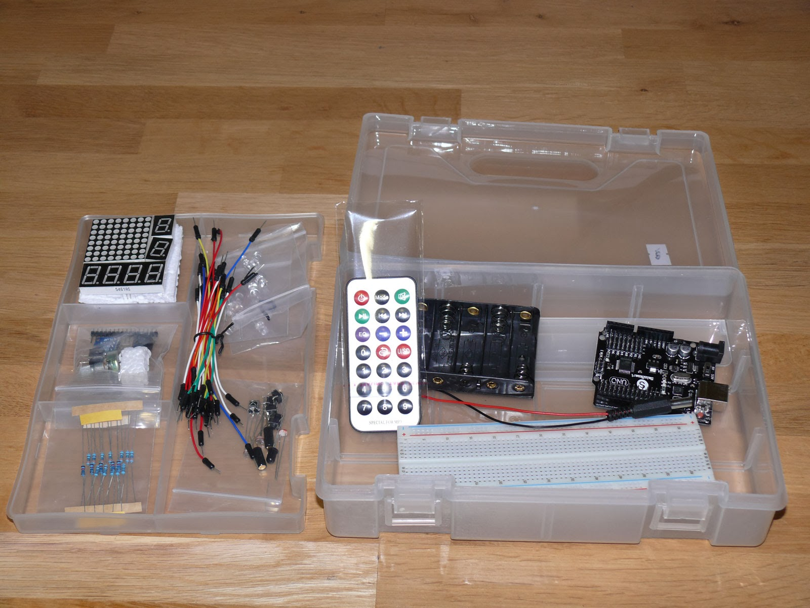 Arduino Starter Kit An Sketch Tutorial Lesson 3 Breadboards And Leds I Decided To Try A Very Simple Project Start With Using The Http Arduinocc En Blinkwithoutdelay Sample However Wiring Layout Doesnt