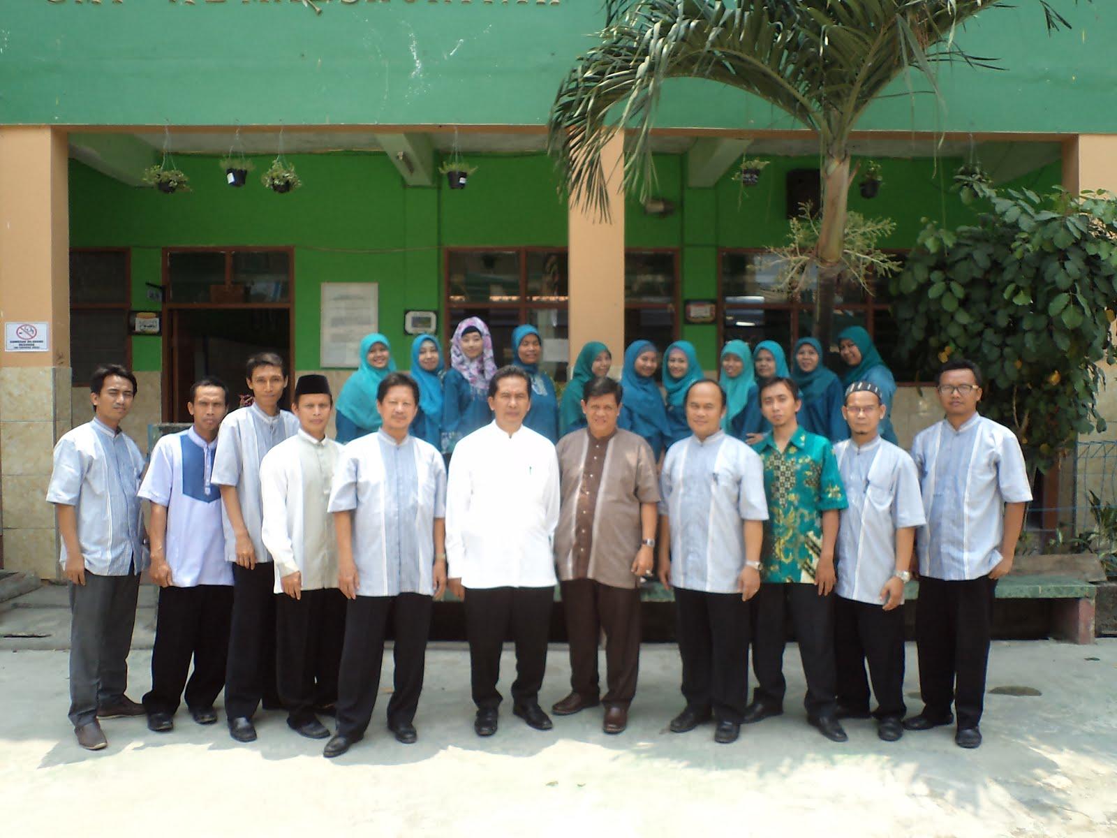 Guru-guru SMP AL Manshuriyah
