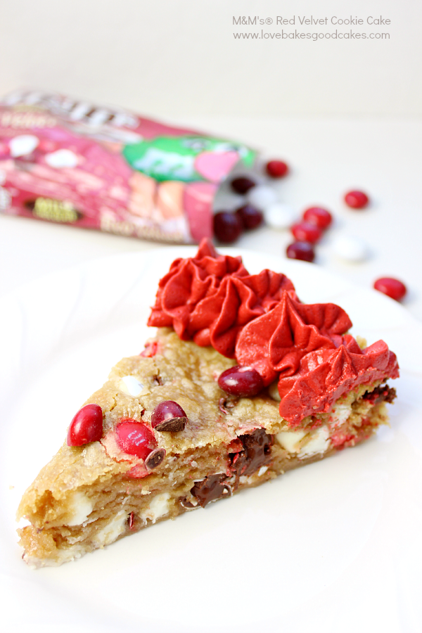 This show-stopping M&M's® Red Velvet Cookie Cake is perfect for Valentine's Day! This giant cookie is loaded with M&M's® Red Velvet chocolate candies and a from-scratch Red Velvet Buttercream Frosting! Perfect for sharing with a friend! #RedVelvetLove #ad