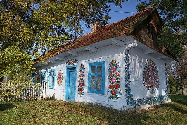 Zalipie Poland S Painted Village Kuriositas
