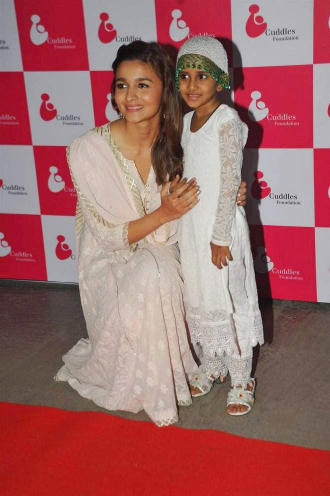 Alia Bhatt Cute Salwar Kameez Photos