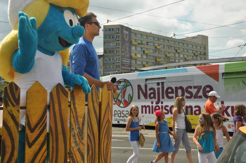 Wielka Parada Smerfów w Pasazu Grunwaldzkim