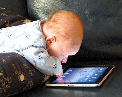 Une collection de photos bébés publicité