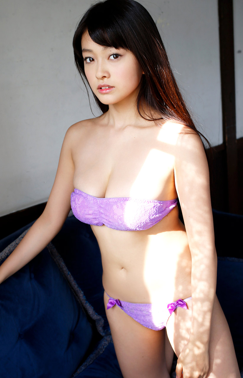 mari yamachi sexy bikini pics 04
